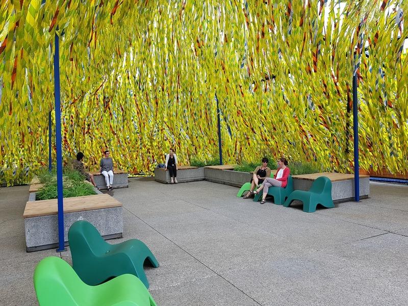 Dossier de presse | 837-31 - Communiqué de presse | « Roof Line Garden II » au Musée de la civilisation et « Swing Line Garden » aux Jardins de Métis par Julia Jamrozik et Coryn Kempster - Festival international de jardins / Jardins de Métis - Évènement + Exposition - <p>Roof Line Garden II </p><p>de Julia Jamrozik et Coryn Kempster</p> - Crédit photo : Johanne Lacoste