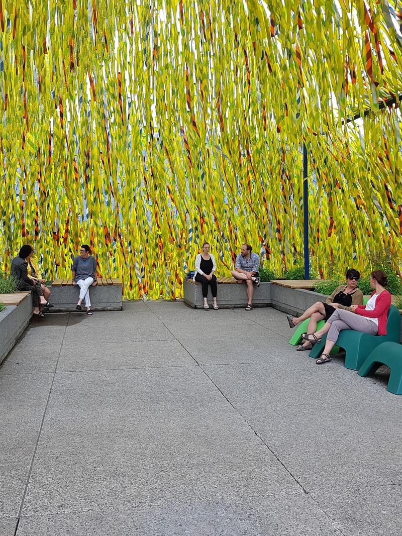 Dossier de presse | 837-31 - Communiqué de presse | « Roof Line Garden II » au Musée de la civilisation et « Swing Line Garden » aux Jardins de Métis par Julia Jamrozik et Coryn Kempster - Festival international de jardins / Jardins de Métis - Évènement + Exposition - <p>Roof Line Garden II</p><p>de Julia Jamrozik &amp; Coryn Kempster</p> - Crédit photo : Johanne Lacoste
