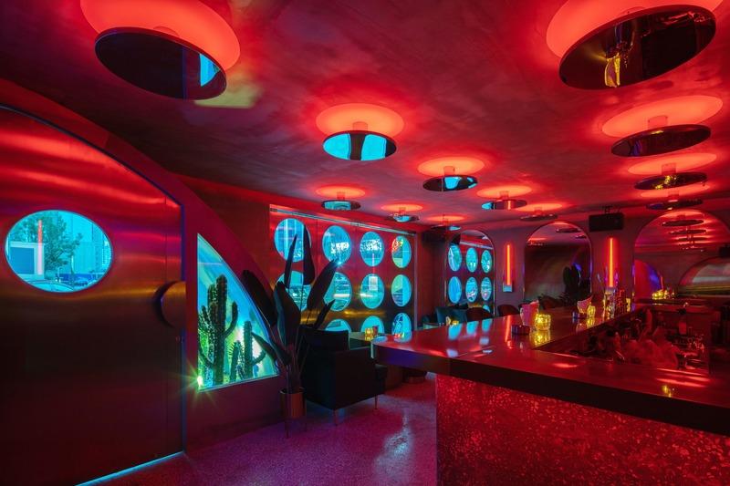 Dossier de presse | 4178-01 - Communiqué de presse | A Styled Bar in Wuhan Commercial Street - J.H Architecture - Design d'intérieur commercial - Crédit photo : Chen Ming
