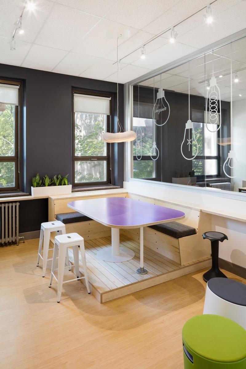 Dossier de presse | 1299-05 - Communiqué de presse | Alt-o-tech : un environnement éducatif pour les innovatrices de demain - Taktik design - Design d'intérieur commercial - Salle créative - Crédit photo : Maxime Brouillet