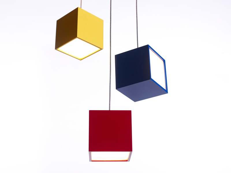 Press kit | 3412-03 - Press release | Cube Light - Karice - Lighting Design - Cube Pendant Light (x3) - Photo credit: Jordan N. Dery