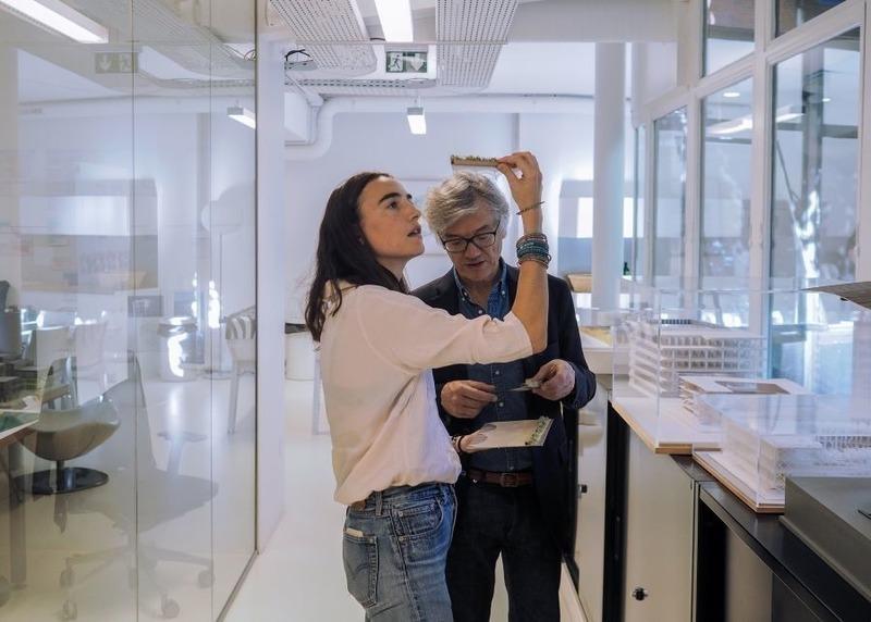 Press kit | 748-36 - Press release | Entre-deux - une architecture de la résonance : une première exposition nord-américaine de Ferrier Marchetti Studio au Centre de design de l'UQAM - Centre de design de l'UQAM - Event + Exhibition - Pauline Marchetti et Jacques Ferrier - Photo credit: Fael Yaghobzadeh