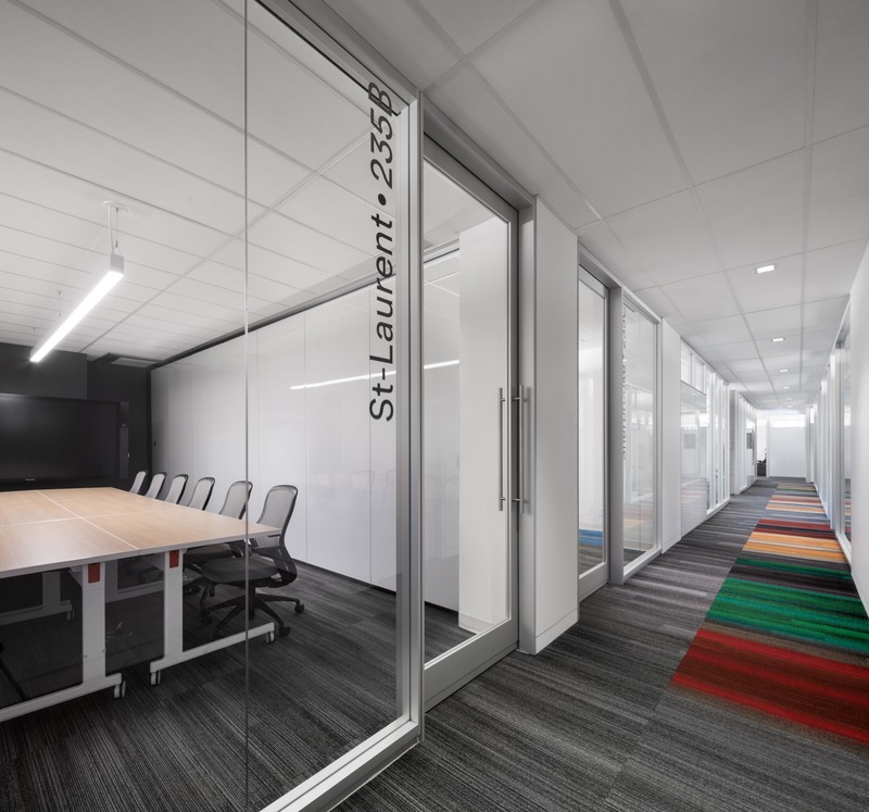 Press kit | 3143-02 - Press release | Genetec Spaces in Montreal: When Design Impacts Processes and Productivity - FOR. design planning - Commercial Interior Design -  Meeting rooms with modular system - closed - Photo credit: Stéphane Brugger