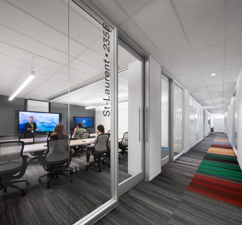 Press kit | 3143-02 - Press release | Genetec Spaces in Montreal: When Design Impacts Processes and Productivity - FOR. design planning - Commercial Interior Design -  Meeting rooms with modular system - copen - Photo credit: Stéphane Brugger