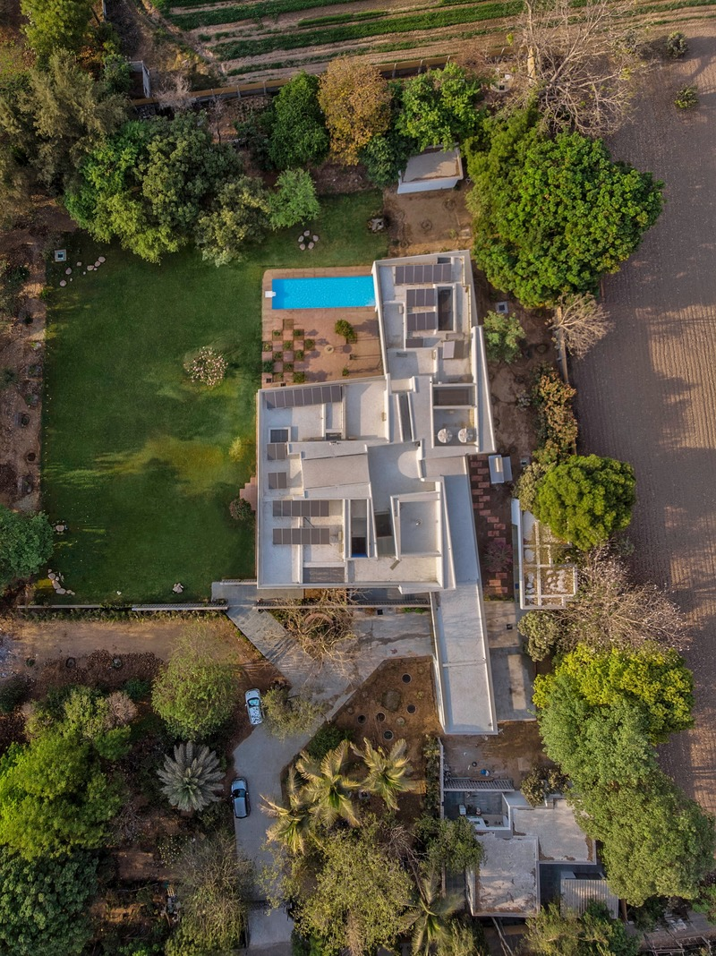 Press kit | 4016-02 - Press release | An Atypical Single User Villa - SquareWorks - Residential Architecture - Ariel view  - Photo credit: Fabien Charuau