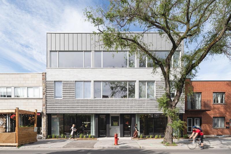 Press kit | 1142-07 - Press release | Off Plaza: L. McComber meets la Maison du Rotin - L. McComber – architecture vivante - Residential Architecture - Welcome to Off Plaza! - Photo credit: Raphaël Thibodeau