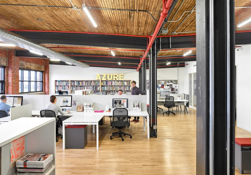 "Press kit | 1513-05 - Press release | Azure Publishing Office - Dubbeldam Architecture + Design - Commercial Interior Design - <p class="""">A large, open-concept space accommodates 26 workstations, a pair of private offices and a</p>meeting room, which serve as the working environment for teams of editors, publishers, writers and advertising sales.  - Photo credit: Scott Norsworthy"