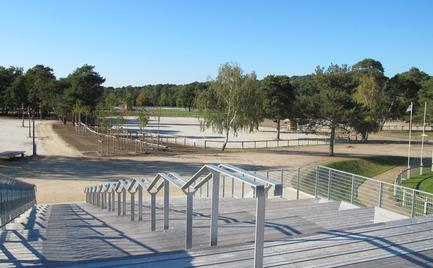 Dossier de presse | 1011-01 - Communiqué de presse | « LE GRAND STADE » - Joly Loiret - Architecture commerciale - Crédit photo : Pe. Loiret Photographe