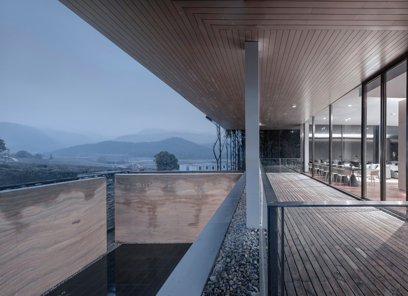 Press kit | 4181-01 - Press release | Greentown Yiwu Peach Blossom Land Living Experience Centre - Hangzhou 9M Architectural Design Co., Ltd. - Event + Exhibition - Overlooking the Mountain - Photo credit:  Li Yao