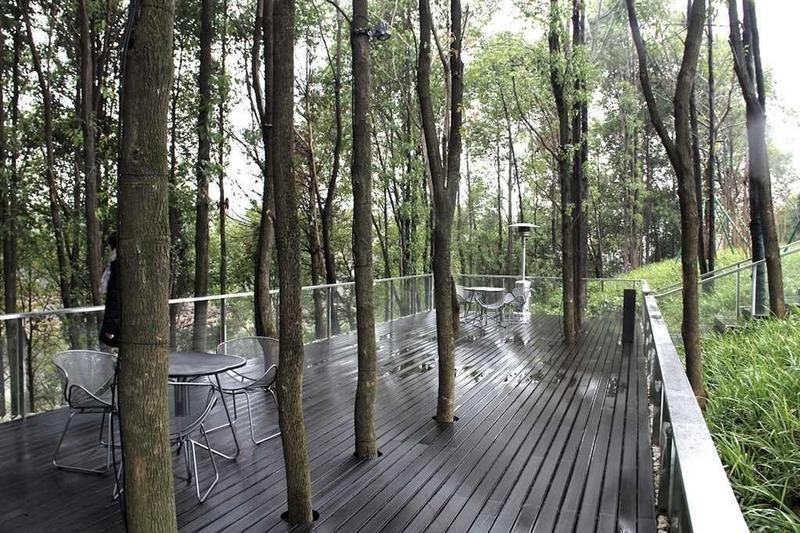 Press kit | 4181-01 - Press release | Greentown Yiwu Peach Blossom Land Living Experience Centre - Hangzhou 9M Architectural Design Co., Ltd. - Event + Exhibition - Lake Viewing Platform - Photo credit:  Xian Zhou