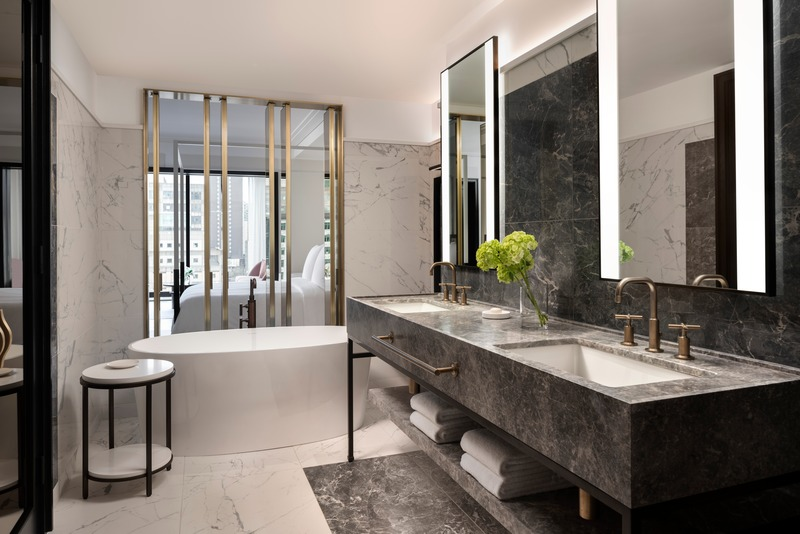 Press kit | 4234-01 - Press release | Four Seasons Hotel Montreal's Architecture, Design, and Art Collect International Accolades and Reintroduce the City to the Global Luxury Hotel Conversation - Four Seasons Hotel Montreal - Commercial Architecture - Executive Suite Bathroom - Photo credit: Don Riddle