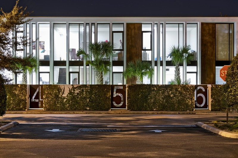 """Press kit   2757-13 - Press release   [STRANG] on The Art of Architecture - [STRANG] - Residential Architecture -  Raingarden: As the first """"multi-family"""" development in Winter Haven in over three decades, this development offers residents a new option for urban living.  - Photo credit: [STRANG]"""