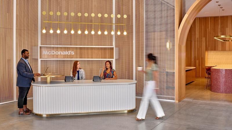 "Dossier de presse | 3160-06 - Communiqué de presse | Frame Awards 2020 Nominees Announced - Frame - Concours - McDonald's Headquarters - Large Office of the Year<br style=""""> - Crédit photo : Studio O+A<br>"