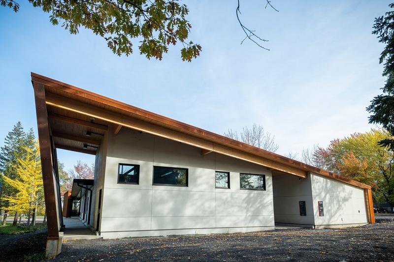 Dossier de presse | 4235-01 - Communiqué de presse | Pavillon en Corten - Les Architectes Labonté Marcil - Architecture institutionnelle - <br> - Crédit photo : Martin Girard<br>