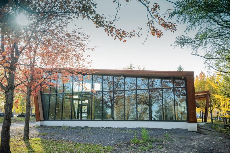 Dossier de presse | 4235-01 - Communiqué de presse | Pavillon en Corten - Les Architectes Labonté Marcil - Architecture institutionnelle - Crédit photo : Martin Girard<br>