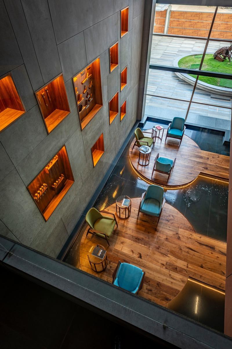 Press kit | 1432-05 - Press release | Office @ 63 - Sanjay Puri Architects - Commercial Interior Design - 02 Waiting Lounge b - Photo credit: Vinesh Gandhi