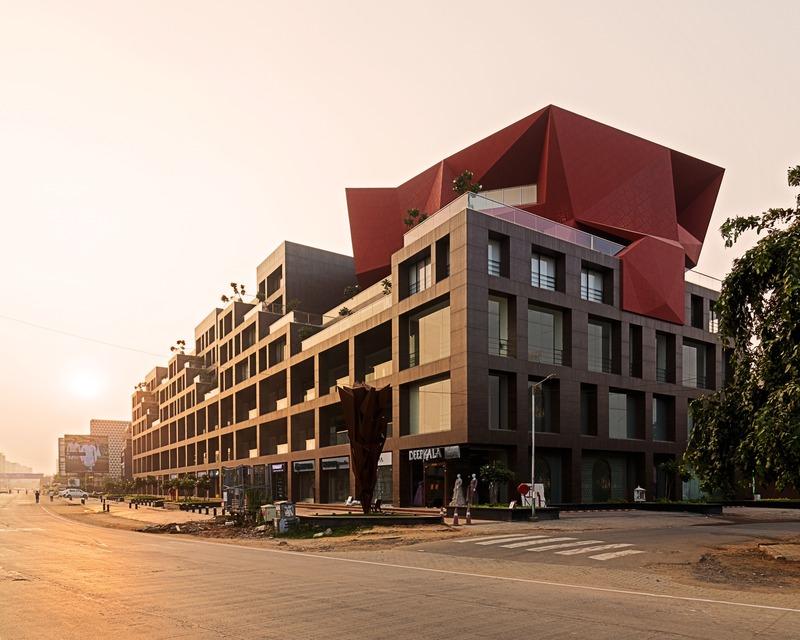 Press kit   1432-06 - Press release   Stellar - Sanjay Puri Architects - Commercial Architecture - Side View - Photo credit: Mr. Abhishek Shah