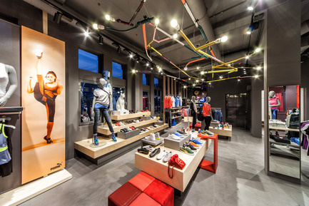 Press kit | 999-01 - Press release | Puma Stores Amsterdam, London and Munich - plajer & franz - Commercial Interior Design - puma store - amsterdam - Photo credit: manuel schlüter