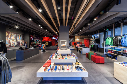 Press kit | 999-01 - Press release | Puma Stores Amsterdam, London and Munich - plajer & franz - Commercial Interior Design - puma store - munich - Photo credit: manuel schlüter