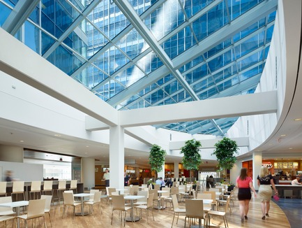 Dossier de presse | 787-05 - Communiqué de presse | Centennial Place - WZMH Architects - Commercial Architecture - Crédit photo : Tom Arban