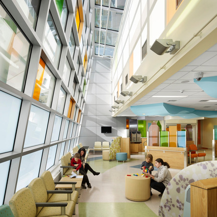 "Dossier de presse | 946-01 - Communiqué de presse | McMaster Children's Hospital (""MCH"") - Parkin Architects limited - Architecture institutionnelle - Crédit photo : Richard Johnson"