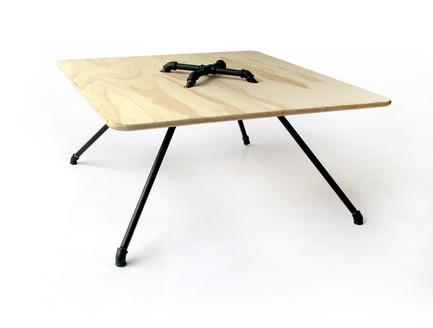 Press kit | 940-01 - Press release | The Opentap - Dosuno Design - Product - MT 01 table - Photo credit: Dosuno Design