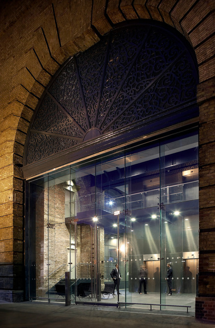 Press kit   935-01 - Press release   Transforming King's Cross - John McAslan + Partners - Institutional Architecture - This project has publication restrictions: It is necessary for media to obtain v2com's permission before publication. media@v2com.biz  tél : 514.845.1188 - Photo credit: Hufton and Crow