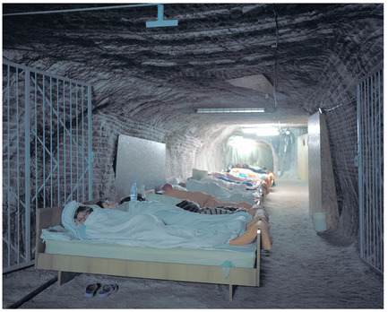 Dossier de presse | 756-04 - Communiqué de presse | Imperfect Health: The Medicalization of Architecture, - Canadian Centre for Architecture (CCA) - Edition - Speleotherapy. Breathing In, Mine de sel de Solotvyno, Ukraine, 2009. Kirill Kuletski, photographe.© Kirill Kuletski