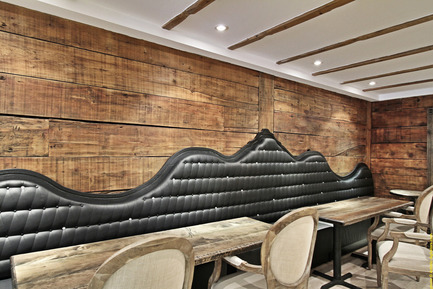 Dossier de presse | 920-01 - Communiqué de presse | De Farine & D'eau Fraîche - Surface3 - Design d'intérieur commercial - Crédit photo : Vladimir Antaki