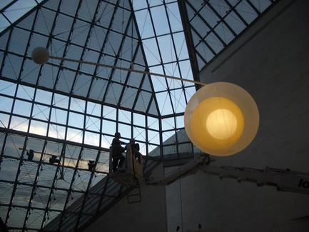 Press kit | 912-01 - Press release | 'Mobile lamp' - Nathalie Dewez - Lighting Design - Photo credit: Stijn Bollaert