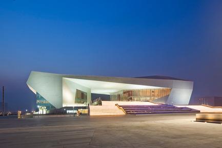 Dossier de presse | 896-01 - Communiqué de presse | Le Grand Thêatre du Shanxi, à Taiyuan (Chine) - Arte Charpentier Architectes - Architecture institutionnelle - Crédit photo : Shen zhonghai