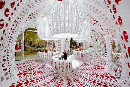 Press kit | 1071-01 - Press release | Architizer A+ Awards winners announced - Architizer - Competition - Louis Vuitton Yayoi Kusama's Pop Up Store - THEVERYMANY - Photo credit: Architizer