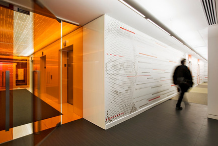 Dossier de presse | 865-02 - Communiqué de presse | Astral Media - Lemay - Commercial Interior Design - Espace de circulation interactif - Crédit photo : Claude-Simon Langlois