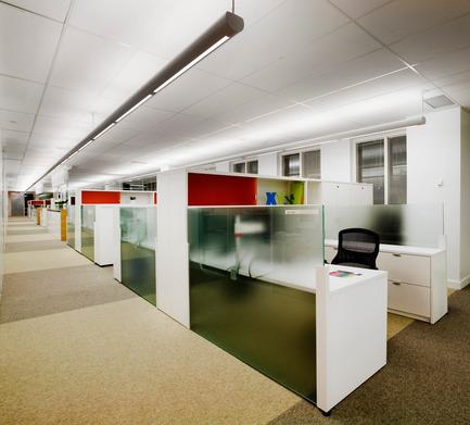 Dossier de presse | 865-02 - Communiqué de presse | Astral Media - Lemay - Design d'intérieur commercial - Espaces de travail (en aire ouverte) - Crédit photo : Claude-Simon Langlois