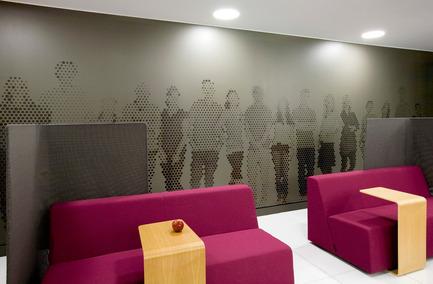 Dossier de presse | 865-02 - Communiqué de presse | Astral Media - Lemay - Commercial Interior Design - Aire de repos et échanges - Crédit photo : Claude-Simon Langlois