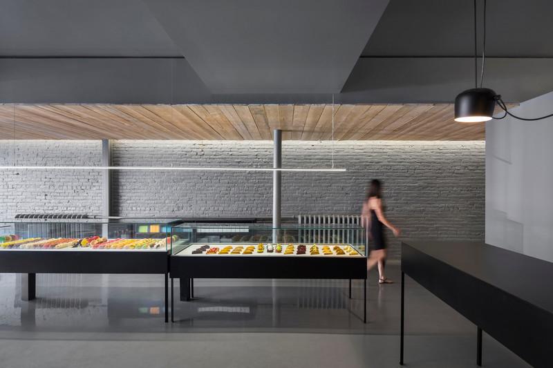 Press kit - Press release - Design of a pastry shop, storefront - Atelier Moderno & Anne Sophie Goneau