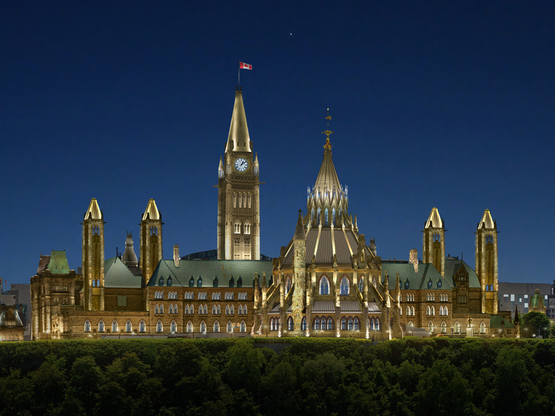 Press kit - Press release - Ottawa's Parliamentary Precinct, a jewel in the night - Lemay
