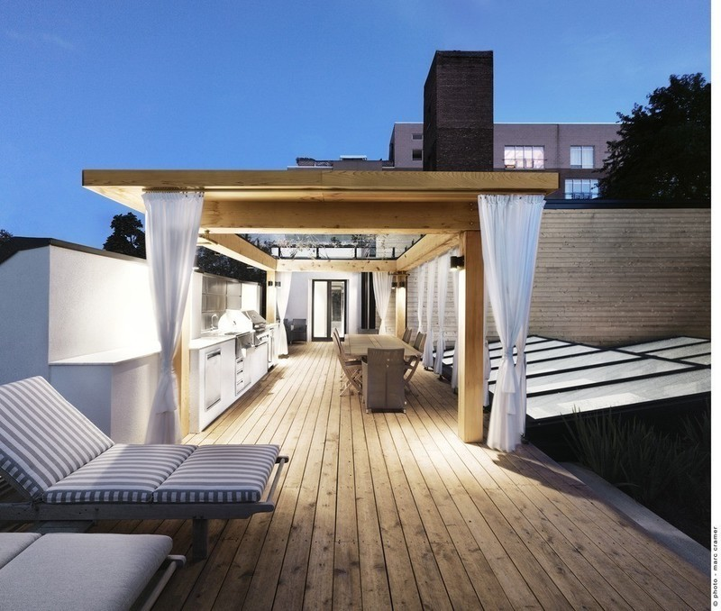 Newsroom - Press release - White canvas on a green roof - Martine Brisson designer d'intérieur
