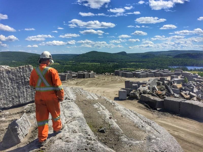 Dossier de presse - Communiqué de presse - Polycor Inc. : 30 ans pour le plus grand producteur de pierre naturelle en Amérique du Nord - Polycor Inc.