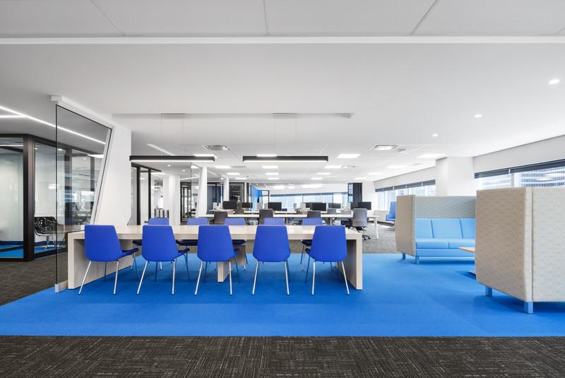 Dossier de presse - Communiqué de presse - Un nouvel environnement dynamique de travail pour la Banque Nationale - VAD Designers d'espaces