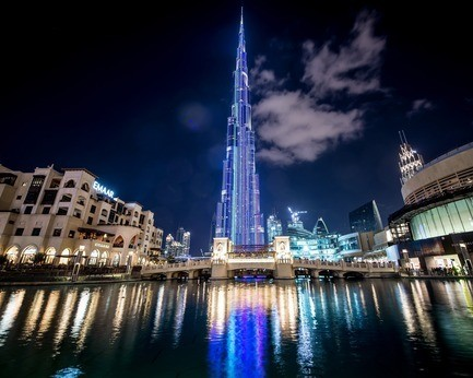 Dossier de presse - Communiqué de presse - SACO Technologies Inc. celebrates the 1 year anniversary of a living masterpiece - the tallest media façade on the planet on Burj Khalifa in Dubai, UAE - SACO Technologies Inc.