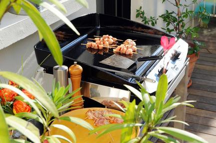 Newsroom - Press release - Gourmet cooking comes into the garden: LA PLANCHA® bows into Québec - Jardin de Ville