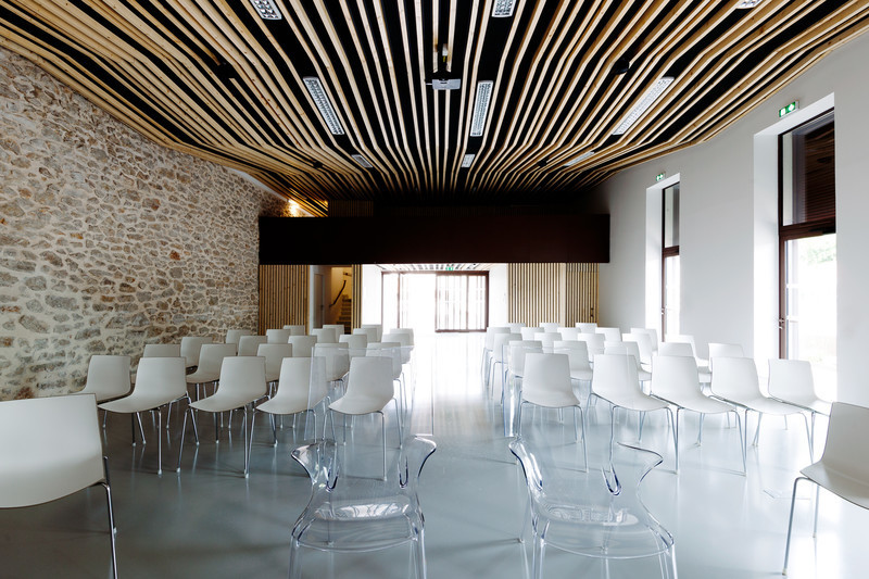 Newsroom - Press release - Jacou wedding room - NBJ architectes