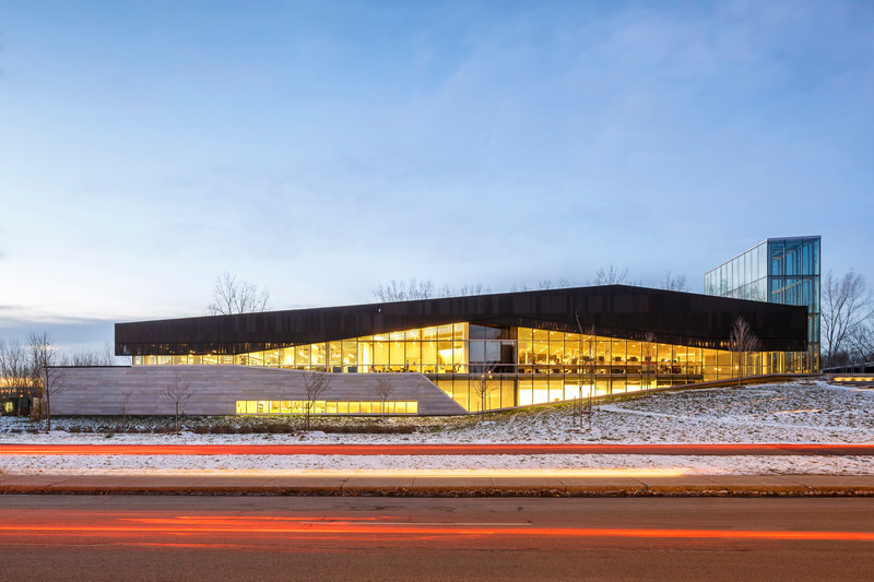 Press kit - Press release - The Bibliothèque du Boisé: Grand Prix d'excellence of OAQ 2015 - Cardinal Hardy* / Labonté Marcil / Éric Pelletier* architectes in consortium (*Lemay)